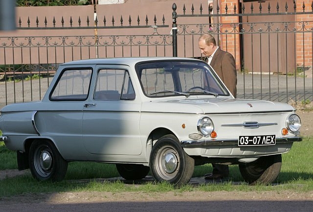 640px-Putin_with_his_1972_Zaporozhets.jpg.15645292140f411667261eb6a0622551.jpg