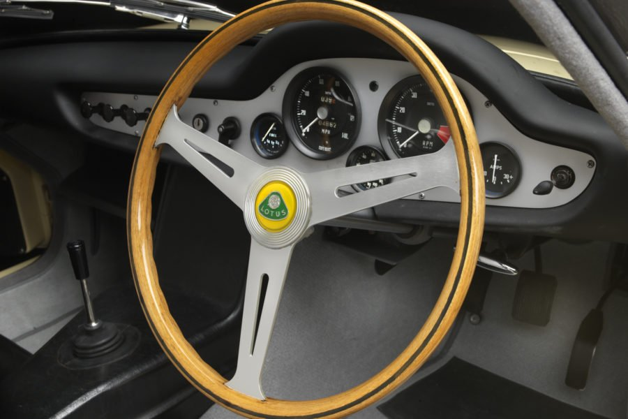 Lotus-Elite-dash-900x600.jpg.c9c45bd19eaca614d9a212b2f73e1f09.jpg